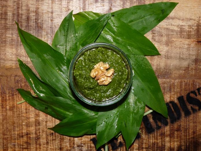 Mein Grünes Gold: Walnuss-Bärlauch-Pesto