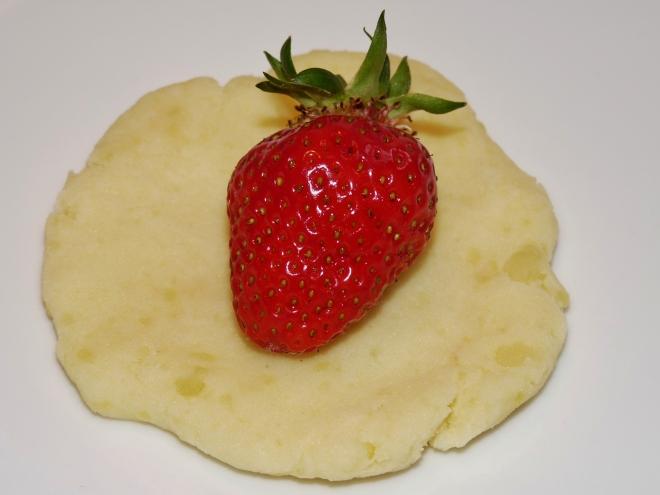 Erdbeere auf Teig