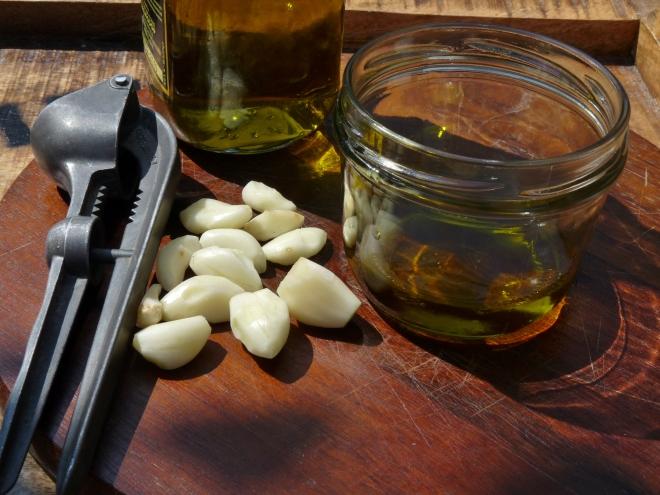 Olivenöl und Knoblauch