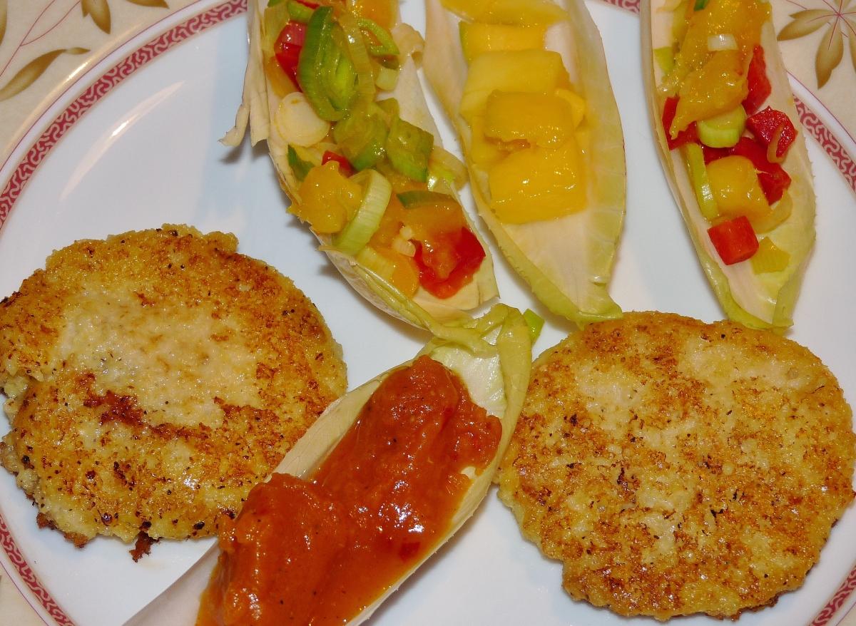 Hirse-Blinis mit fruchtig scharfem Gemüse