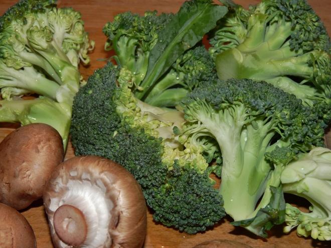 Brokkoli und Pilze
