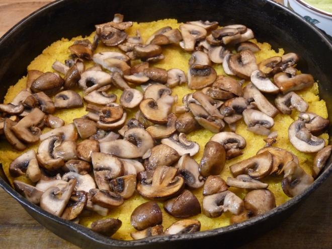 Polenta und Pilze
