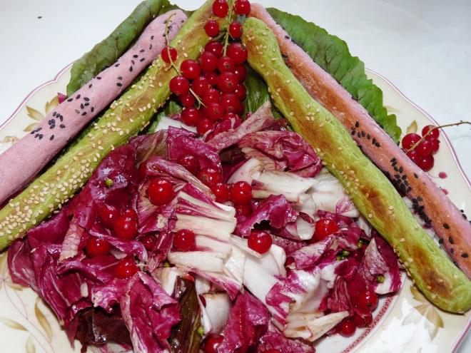 Salat und Grissini
