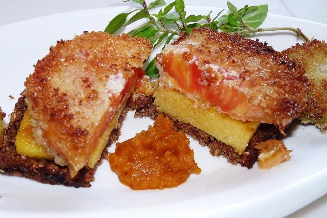 panierte Ochsenherz-Tomate
