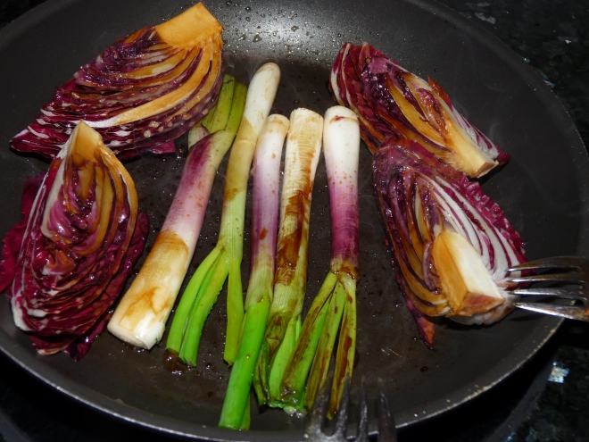 Gemüse gewendet in Marinade