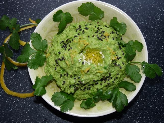 Erbsen-Hummus von oben