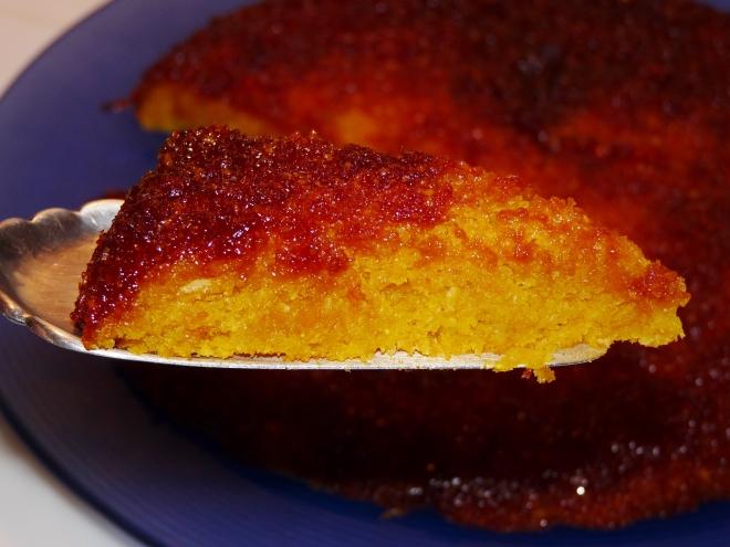 Kuchen auf Tortenheber