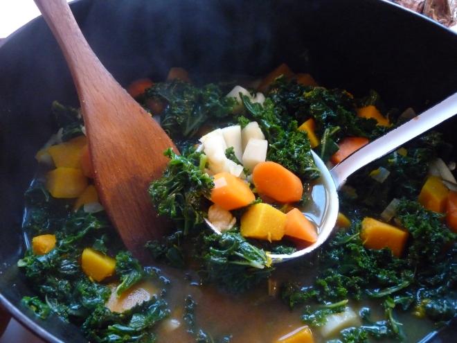 Suppe auf Kelle