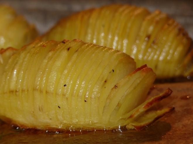 2 Kartoffeln im Ofen, fertig