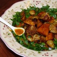 Kochen mit Sanddorn - Aus dem Ofen: mariniertes Rosenkohl-Süßkartoffel-Gemüse
